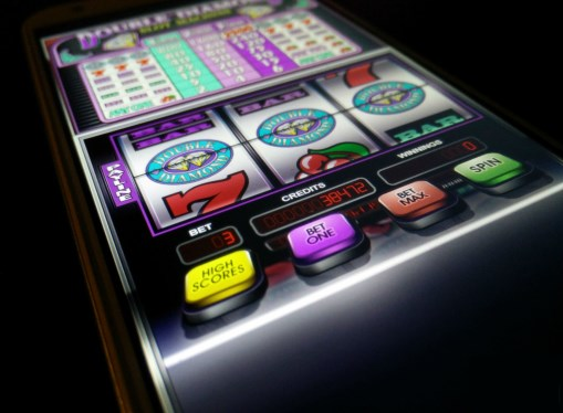 To play pokies usind Android device